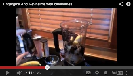 The Blueberries superfood smoothie: an extremely tasty way to energize and revitalize your health.